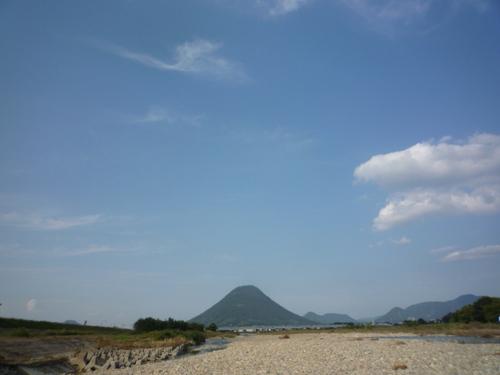秋空と讃岐富士